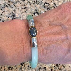Jewelry - Beautiful Jade Bracelet w/ Hematite